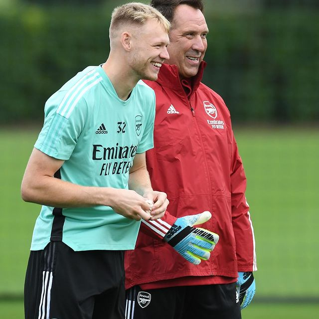 Aaron Ramsdale and David Seaman at London Colney (Photo via Ramsdale on Instagram)