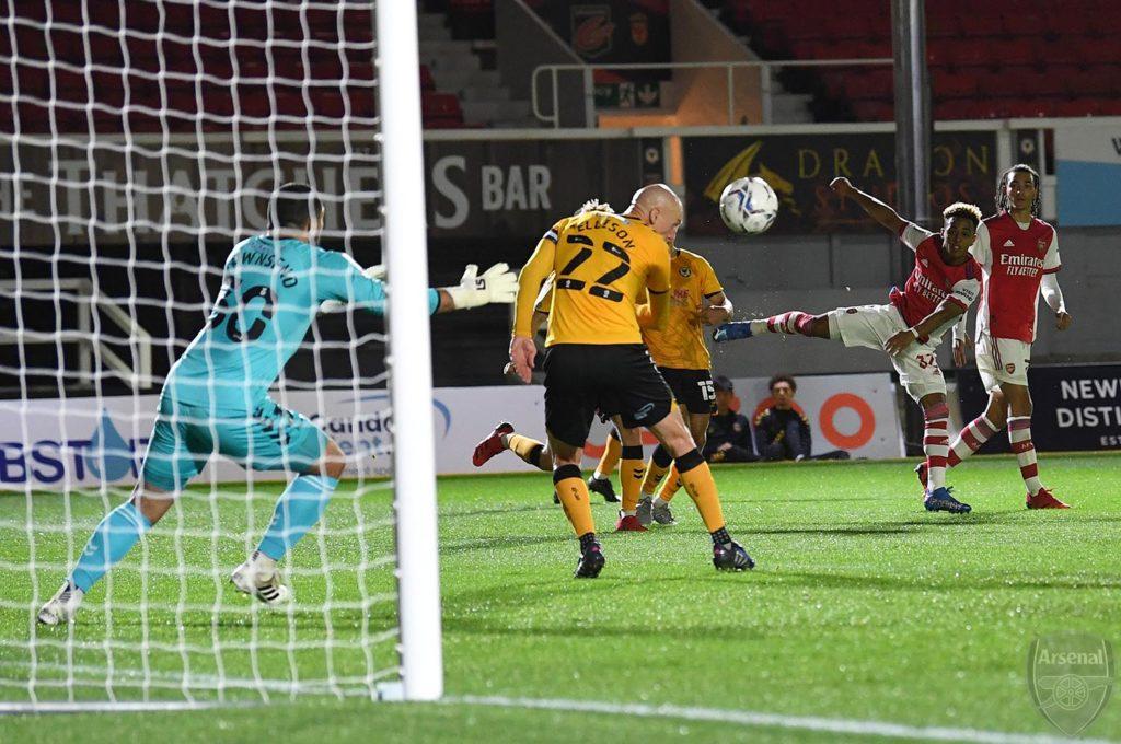 Omari Hutchinson scores for the Arsenal u21s (Photo via David Price on Twitter)
